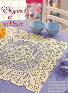 Crochet: tablecloth with chart Crochet Doily Diagram, Filet Crochet Charts, Crochet Doily Patterns, Crochet Squares, Crochet Doilies, Crochet Motif, Crochet Wool, Thread Crochet, Love Crochet