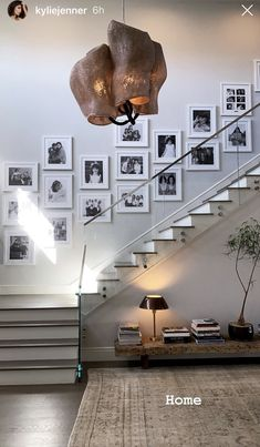 Gallery wall with black and white pictures, from Kylie Jenner Home Stairs Design, Home Design Decor, Dream Home Design, Home Interior Design, Interior And Exterior, House Wall Design, Casa Kylie Jenner, Kylie Jenner Bedroom, Kylie Jenner New House