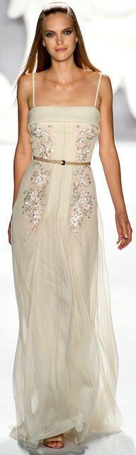 Carolina Herrera Spring Summer 2013 http://www.vogue.it/en/shows/show/spring-summer-2013-ready-to-wear/carolina-herrera/collection/499655