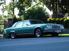 THIS IS LIKE MY 5TH CAR!  1979 Buick Park Avenue Electra ~ when I lived in Little Rock. <3 Would still be driving my Grand Prix ~ except my x husband wrecked it....and thus the Park Avenue Electra. <3