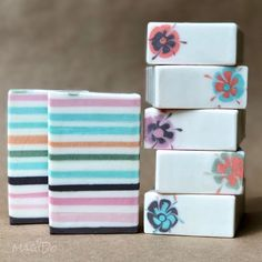 I was inspired to make this soap by decorative craft paper. It is delicately scented with fresh notes of cucumber and melon 🤗…