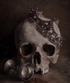 Gothic Aesthetic, Slytherin Aesthetic, Dark Fantasy, Fantasy Art, Skull Reference, Arte Obscura, Vanitas, Character Aesthetic, Skull And Bones