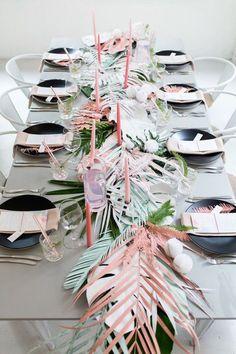 Table tropical chic pour un EVJF au taquet