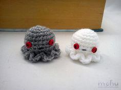 Zombie jellyfish amigurumi by mohu mohu, via Flickr