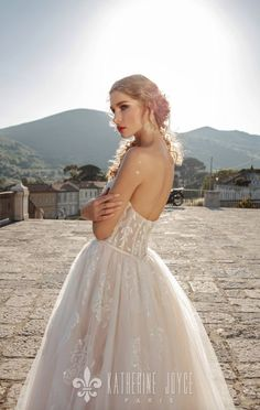 Wedding dress 16020 Tracey in Katherine Joyce collection Napoli. Find the perfect, unique wedding gown for your Big Day. Unique Wedding Gowns, Luxury Wedding Dress, Wedding Dress Shopping, Princess Wedding Dresses, Mod Wedding, Dream Wedding Dresses, Bridal Gowns, Unusual Dresses, Event Dresses
