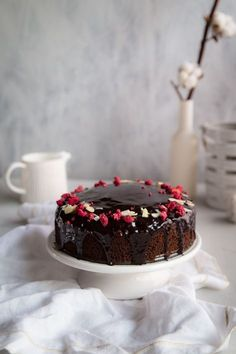 Cviklová torta - The Story of a Cake Poke Cakes, Lava Cakes, Fudge Cake, Brownie Cake, Custard Cake, Gingerbread Cake, Oven Baked, Cake Cookies, Yummy Cakes