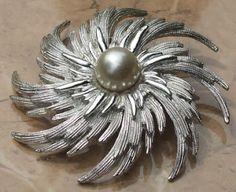 silvery sunburst vintage brooch 1960's-1970's sarah coventry?