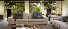 Natural chic; sala de estar; suite; Hotel Tivoli Bahia