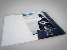 Studio MEZKLADOR Conception de l'identité visuelle de la Compagnie Nocturne // dossier de diffusion pour le spectacle Le Pays Lointain Nocturne, Diffusion, Software Testing, Hardware Software, Spectacle, Print Design, It Works, Polaroid Film, Cards Against Humanity