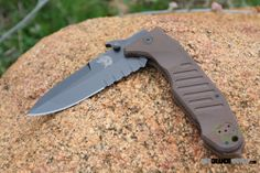 FOX Knives 09CM01E Col Moschin Delta Spec Ops Folder, Brown G10, Black ComboEdge Blade. In Italy, the Ninth Parachute Assault Regiment is given equal prominence as the legendary SAS in Great Britain.  http://www.osograndeknives.com/catalog/tactical-folding-knives/fox-knives-col-moschin-delta-spec-ops-folder-brown-g10-black-comboedge-blade-09cm01e-19206.html