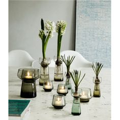 Scandi Interiors - The pearl hyacinth glass was created by the Danish-Swedish design duo Alken & Bengtsson as part of the Celebrate range. This is an opportunity to display the pearl hyacinths of winter before spring arrives. The retro-inspired design is a new interpretation of the classic hyacinth glass and gives the bulbs a stylish setting. The Miks range of vases is ideal for a colourful floral tableau in the window. A great gift idea for any occasion deserving a real party.