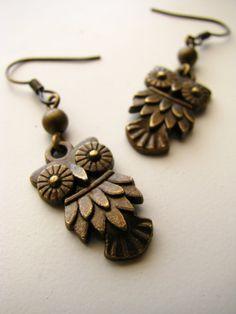 Sweet little hoot owl earrings!  #jewelry #earrings #steampunk #owl #nature #bird #vintagestyle #bronze