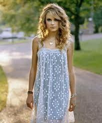 i always told everyone i wanted taylor swift hair for prom, and this is definitely it. my final hairstyle!