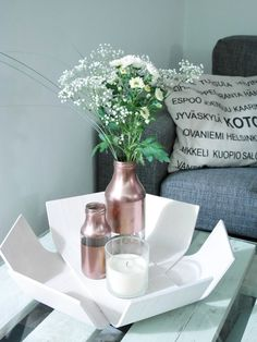 Weekend flowers are always  a good idea! White flowers with DIY copper bottles are perfect together.