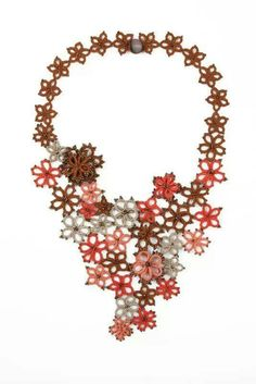 Tatted floral necklace