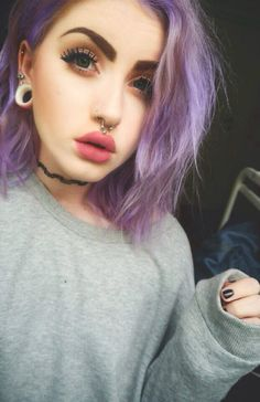 some girls can pull off the septum piercing, but when they can't. like come on, you KNOW how terrible that shit looks on your face, you have to look at it EVERYDAY. Pastel Hair, Purple Hair, Piercing Face, Philtrum Piercing, Tongue Piercings, Cartilage Piercings, Cartilage Earrings, Septum Ring, Hipster Vintage