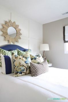 Love this gorgeous mix of pillow fabrics in this guest bedroom makeover - Life On Virginia Street
