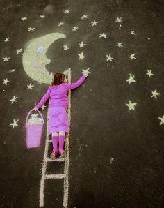 梯子をかけたら・・・お月さまの魔法で星に手が届いたよ! お土産に星をいっぱい集めていこう♪