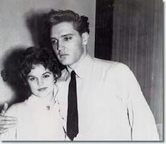 Elvis meets Priscilla Beaulieu