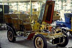 La De Dion-Bouton Type AB, cette ancienne voiture fut produite de 1905 à 1906.