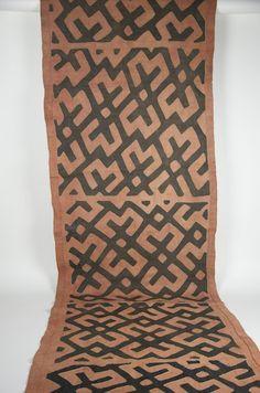 "Gallery-Quality Kente Cloth 28"" x 130"""