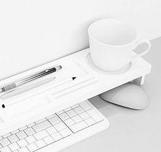 Idealer Schreibtisch Organizer um viele Dinge am richtigen Ort aufzubewahren. Hier entdecken und shoppen: https://sturbock.me/2xg