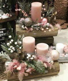 Christmas Flower Arrangements, Christmas Window Decorations, Homemade Christmas Decorations, Christmas Tree Crafts, Christmas Centerpieces, Pink Christmas, Candle Centerpieces, Holiday Wreaths, Creations