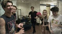 5 seconds of summer and hey violet backstage in Madrid