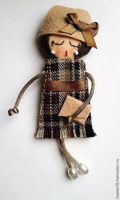 Купить Брошь-куколка из фетра - разноцветный, брошь, брошь ручной работы, брошка из фетра