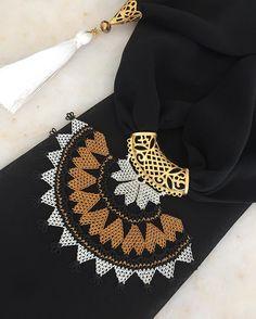 🧡🧡🧡 Sipariş ve fiyat bilgisi için 👉🏻dm lütfen. Lace Scarf, Scarf Jewelry, Lace Making, Bargello, Beaded Bracelets, Gold, Accessories, Women, Ear Rings