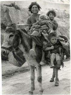 vintage everyday: Vintage Photos of Gypsies of Western Europe from the 1930s-1960s