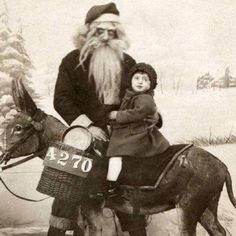 16 Santas Who Have No Business Being Near Children