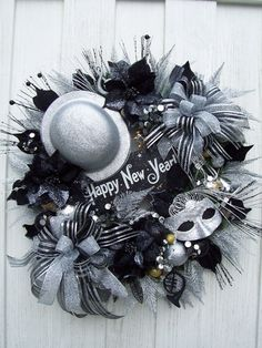 ˚January: Happy New Year Wreath -def tone it down but like the color and fun. Maybe just decorate on one side.