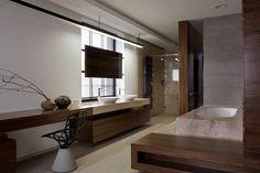 silla preciosa en el baño moderno
