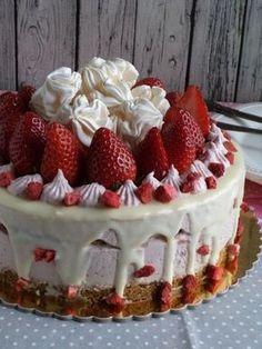 Epres-mascarponés sütés nélküli torta recept Best Chocolate Cake, Cake Cookies, Fudge, Breakfast Recipes, Cake Decorating, Sweet Treats, Cheesecake, Deserts, Strawberry