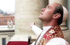 «Молодой папа» – только один из них. Вот что приковывало наш взгляд на протяжении многих часов уходящего года.