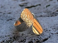 "Silver ring with ""commas"" and hammered effect"