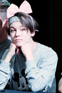 Vernon (Hansol) he's so adorable!