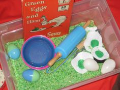 This whole post is filled with wonderful learning activities. This sensory bin is my favorite. #learning #education #crafts