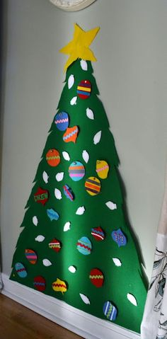 Felt Christmas Tree [Christmas Activities for Kids] ~ Be Different...Act Normal