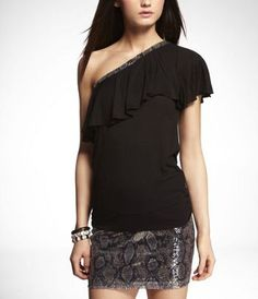 I love being able to cover my left shoulder surgery scar with a cute top like this!