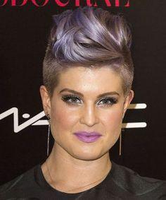 Celebrity Purple Hair Photos - Singers, Actresses Proof That Purple Hair Was Always Awesome Lavender Hair, Lilac Hair, Pastel Hair, Green Hair, Blue Hair, Pixie Hairstyles, Cool Hairstyles, Scene Hairstyles, Kelly Osbourne