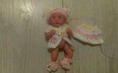 "Handmade knitted dolls clothes fitz 5"" Ashton Drake or ooak sculpt baby."