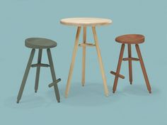 Linteloo. Dune Bar Stool and Table. Design: Roderick Vos. Claire Vos & Roderick Vos.