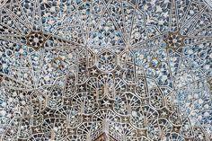 View of carving on Sheesh Mahal (Mirror Palace), of Amber Fort. India, Rajasthan, Jaipur: