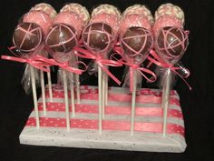 Cake pops...so pretty, so yummy