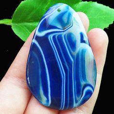 I0114132-Beautiful-Blue-Onxy-Agate-Pendant-bead