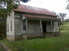 This looks like the family home in Arkansas.  Would LOVE to have it.