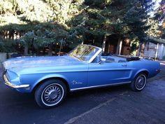Marke: Ford Typ: Mustang Baujahr: 1968 Motor: 6 Zylinder Getriebe: Automatik Tachostand: 98.777 Meilen abgelesen  Sehr originales und hartes Auto mit einem Motor der sehr gut dreht, ohne Ölverbrauch oder Verlust.  Mit einem gut funktionierendem und schönen Softtop und vom ersten Eigentümer in den USA gekauft.  Dieser Mustang ist nirgends verottet oder rostig und hat noch den ersten Lack.  Interieur ist schön, Bezug hat eine lose Naht am Fahrersitz.  Importiert aus den USA, hat einen USA…