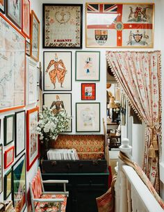 House Tour :: A Romantic Eclectic Home With Happy Shabby Chic Style - coco kelley coco kelley Hanging Pictures On The Wall, Hang Pictures, Display Pictures, Hanging Artwork, Pink Tiles, Striped Cushions, London House, Designers Guild, Displaying Collections